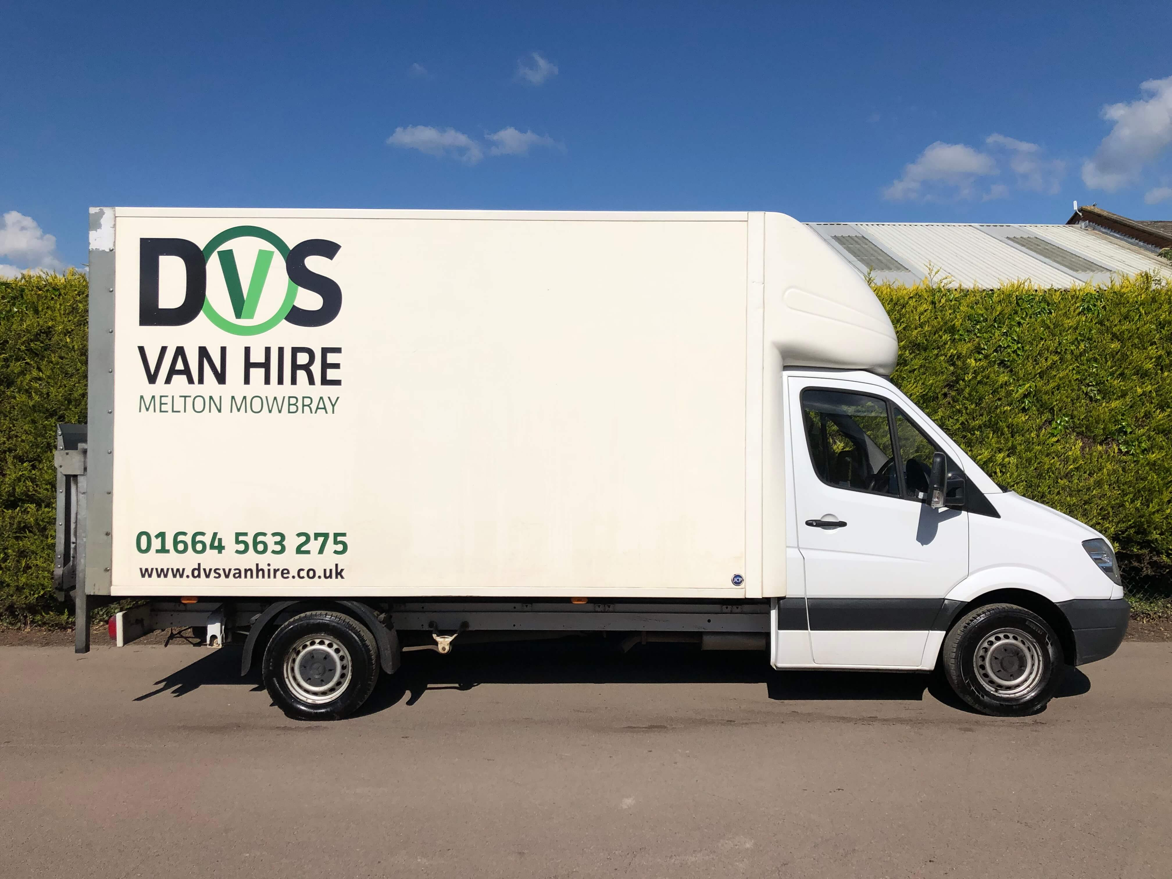 Luton with Tail Lift For Hire