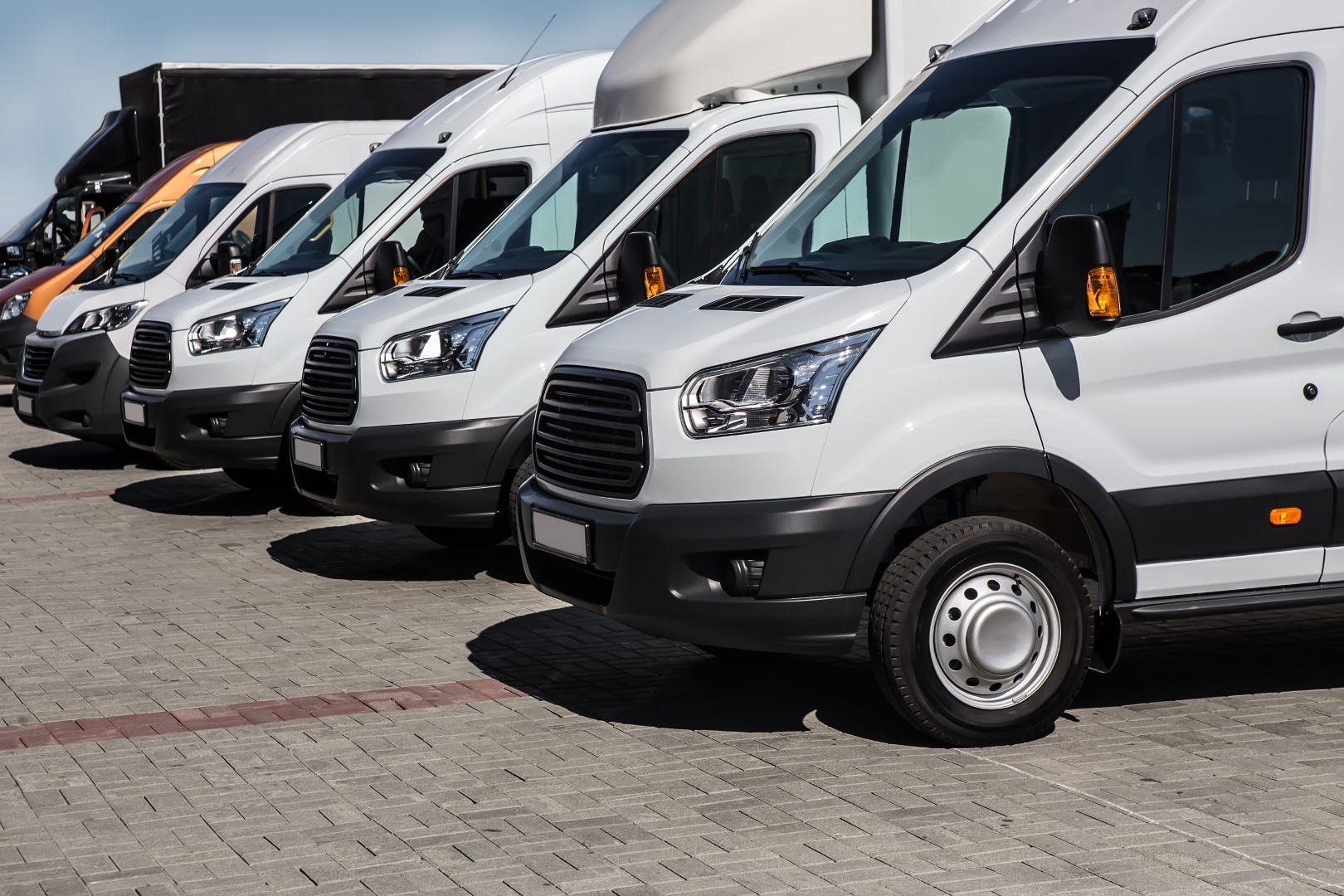Number,of,new,white,minibuses,and,vans,outside - Barnsley Commercial Sales Ltd